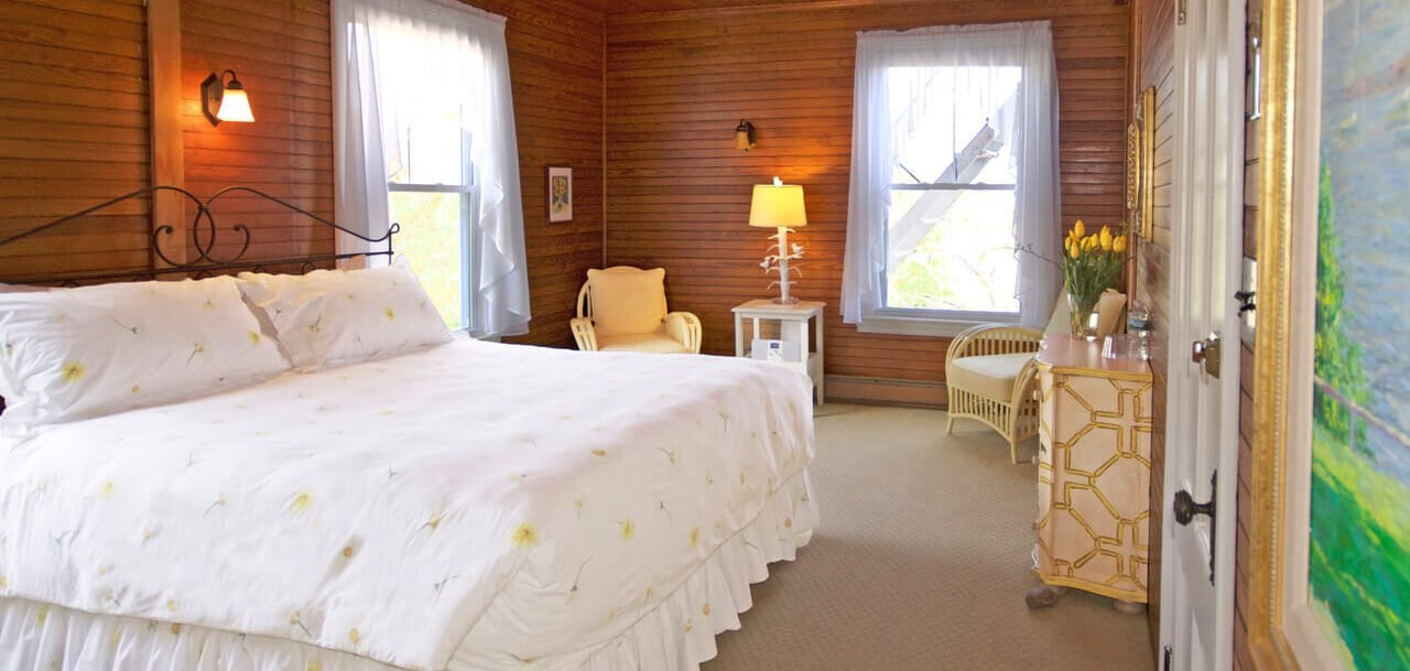The Garden Room - Grey Havens Inn