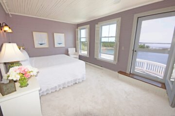 The Sunrise Suite - Grey Havens Inn